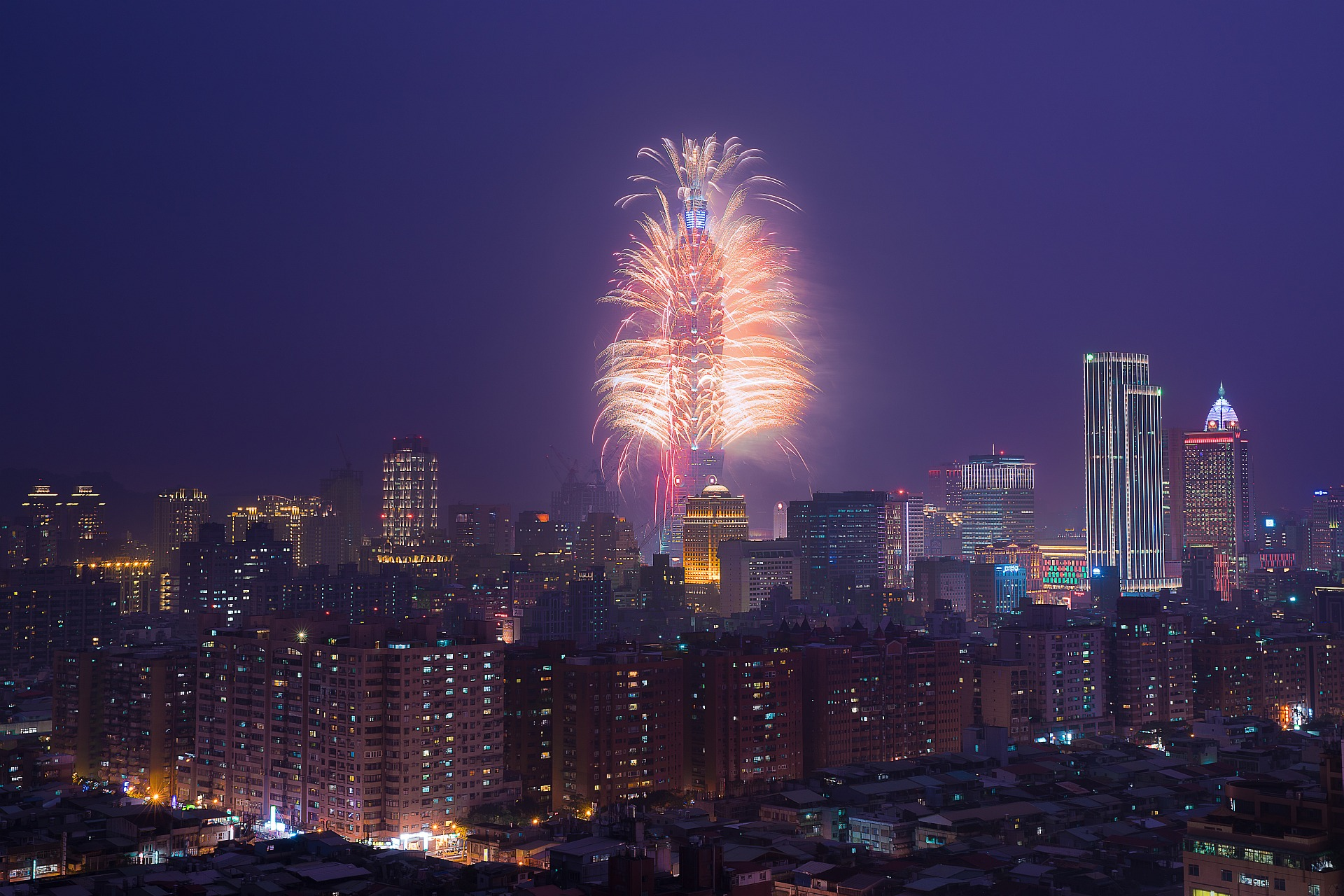 amba Taipei Songshan Studio Room New Year Eve fireworks countdown party package