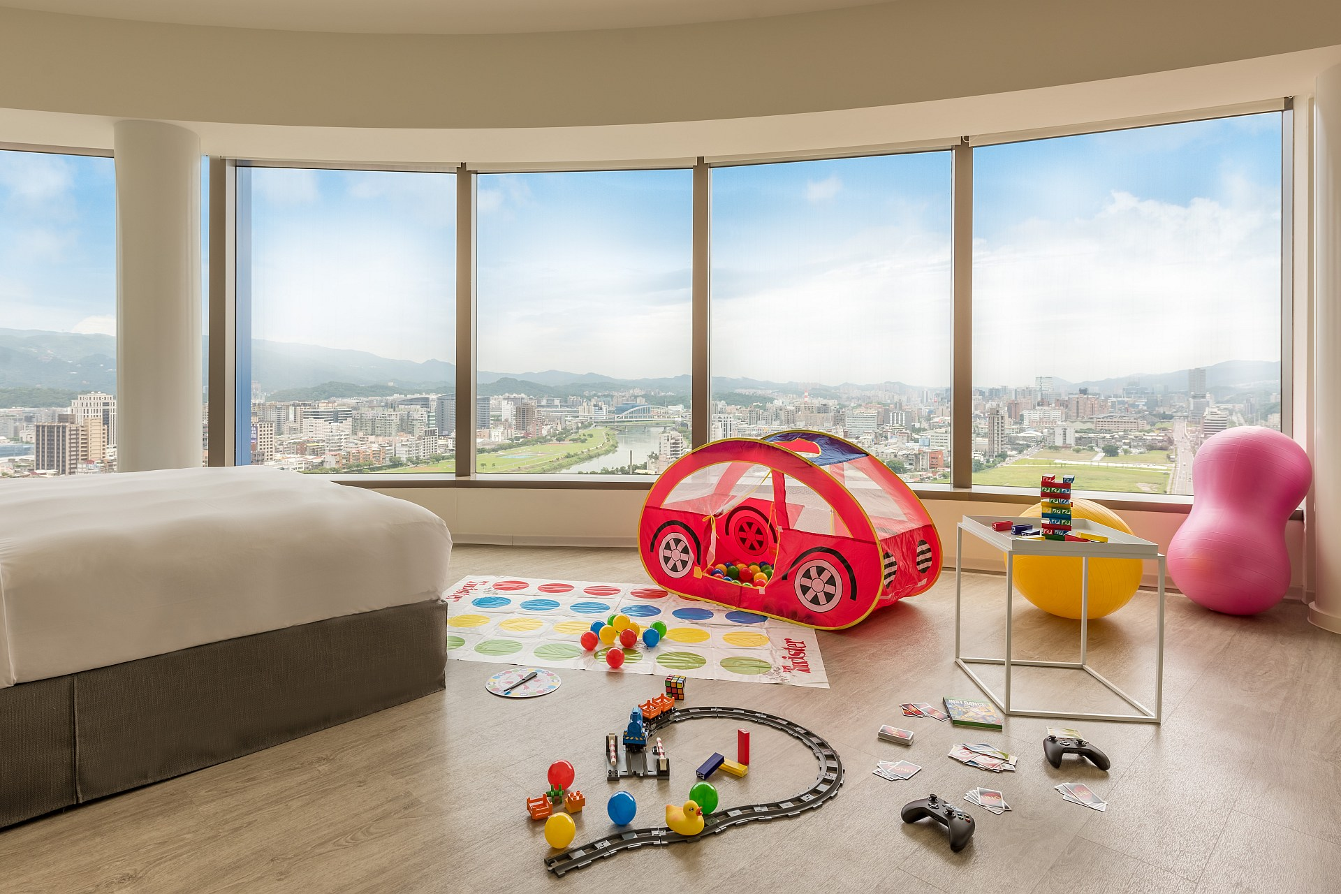 amba Taipei Songshan Hotel Family Holiday with Free Breakfast Offer
