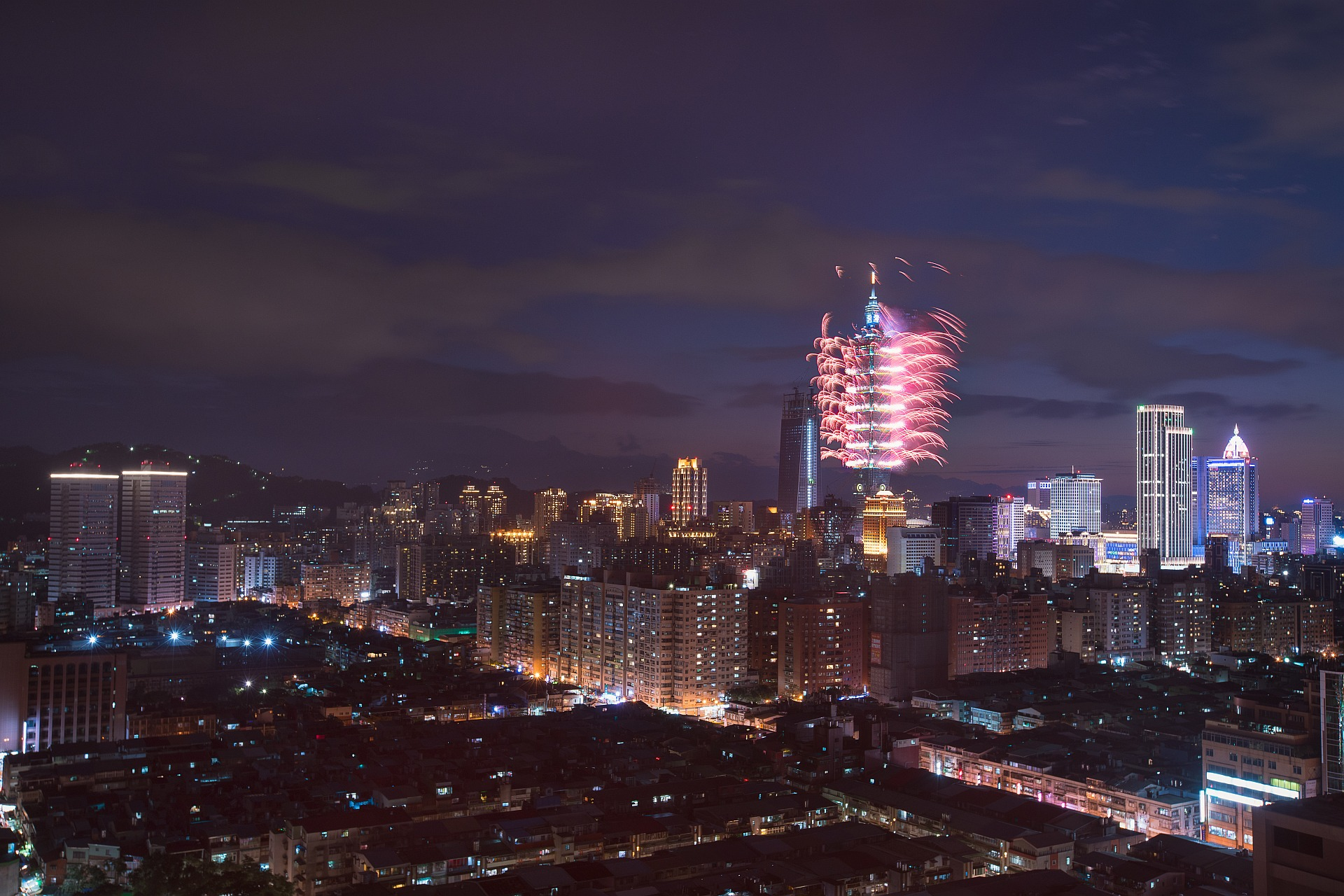 amba Taipei Songshan hotel's Taipei 101 New Year Eve Fireworks Views